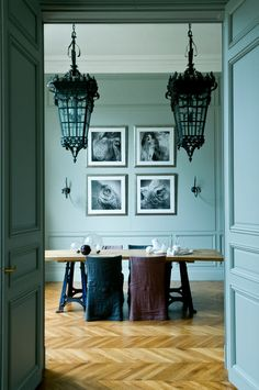 Mint walls - Wooden floor - Paris