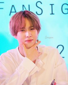 180224 Yugyeom at It's Skin fansign event in Thailand cr: Gmagam