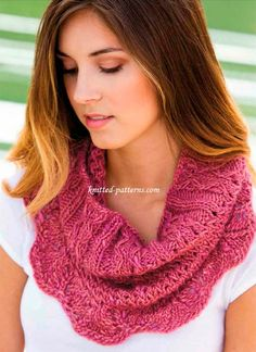 Free Pattern First Lace Cowl