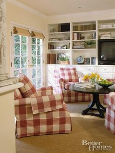 Vintage Farmhouse, love this room, could move right in