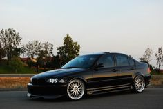 Slammed E46 Sedan | Let me see some slammed E46 BMW sedans please StanceWorks