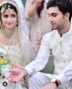 Pakistani Models, Pakistani Girl, Pakistani Dress Design, Pakistani Actress, Sajal Ali Wedding, Wedding Couple Poses, Cute Girl Pic, Girl Photo Poses, Beauty Full Girl