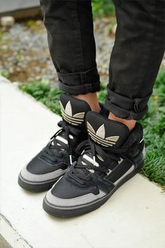 Wouldn't do the skinnys but those vintage Adidas are too fresh.