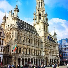 City Hall in Brussels. This square is where they lay out a beautiful carpet made of begonias every other year.