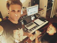 Alessio Bernabei insultato dai fan dopo aver abbandonato i Dear Jack - http://www.wdonna.it/alessio-bernabei-insultato-dai-fan/62334?utm_source=PN&utm_medium=WDonna.it&utm_campaign=62334