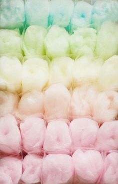 pastel candy floss, cotton candy in rainbow colors Cotton Candy Favors, Cotton Candy Party, Candy Party Favors, Pink Cotton Candy, Rainbow Aesthetic, Aesthetic Pastel, Circus Aesthetic, Candy Floss, Jolie Photo