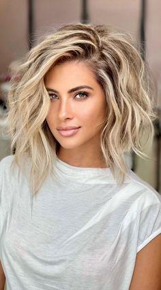 Medium Hair Cuts, Medium Hair Styles, Curly Hair Styles, Short To Medium Hair, Medium Hair Hairstyles, Blonde Hair Cuts Medium, Blonde Ombre Short Hair, Bright Blonde Hair, Medium Length Blonde