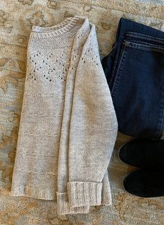 Ravelry: Ariadne Pattern by JoannaN Designs . Ravelry: Ariadne pattern by JoannaN Designs Always aspired to f. Knitting Humor, Knitting Yarn, Knitting Projects, Sweater Knitting Patterns, Knit Patterns, Stitch Patterns, Ravelry, How To Purl Knit, Yarn Crafts