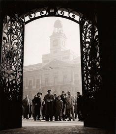 Francesc Català Roca - Puerta del Sol, Gran Via, Madrid, 1950s