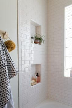 Simple White subway tile bathroom // Jillian Harris New House Inspiration love the niches White Subway Tile Bathroom, White Tiles, Gold Bathroom, Metro Tiles Bathroom, Bathroom Plants, Subway Tile Showers, White Tile Bathrooms, Tiled Showers, Glass Tile Bathroom