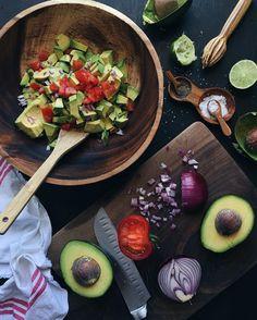 Believer, wife, homeschool mom of 2 & healthy food blogger. Many recipes are gluten, dairy, & refined sugar free. Joscelynabreu@gmail.com