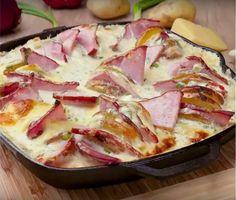 Представляем вам рецепт безумно вкусного блюда. Особенно оно понравится всем любителям сыра. Ведь в нашем картофеле не просто много сыра, а очень-очень много сыра. И если вы думаете,...