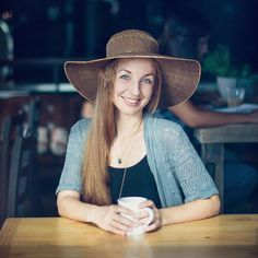 portrait, woman's pose, hat, senior pictures, coffee shop photo, style, fashion