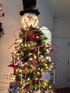 Snowman Tree....I want the topper!!! I love it