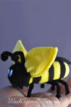 Washcloth Bee Baby Washcloth Bumble Bee by TopsyTurvyDiaperCake Towel Crafts, Bee Crafts, Baby Shower Gifts, Baby Gifts, Towel Origami, Towel Animals, Baby Washcloth, Bee Theme, Washing Clothes
