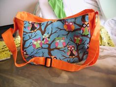 Reader Tutorial: The Not-so-Big Messenger Bag - Sew Sweetness