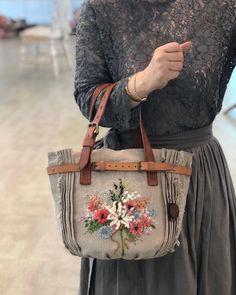 Tie Dye Crafts, Spring Bags, Embroidery Bags, Handbag Patterns, Handmade Purses, Boho Bags, Craft Bags, Linen Bag, Denim Bag