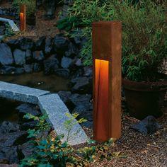 rusted iron big white bollard light huisverlichting lichtontwerp buitenverlichting verlichting ideen lamplicht