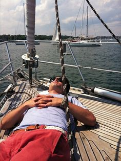 catnap while sailing by-the-water Summer Sun, Summer Vibes, Summer Days, Patagonia Outfit, Patagonia Clothing, New England Prep, Preppy Boys, Cap Ferret, Prep Life