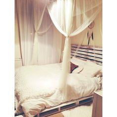 Our DIY Pallet Bed
