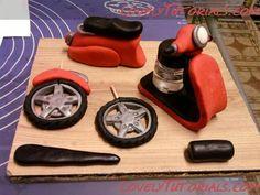 мотоцикл из мастики -how to make fondant gumpaste motorcycle - Мастер-классы по украшению тортов Cake Decorating Tutorials (How To's) Tortas Paso a Paso Lovely Tutorials, Cake Decorating Tutorials, Gum Paste, Cake Toppers, Motorcycle, Clay Art, Tutorials, Diy And Crafts, Cars