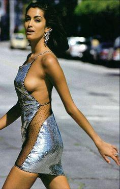 yasmeen ghauri in sublimely sexy Geoffrey Beene #sparkle #silver #fashion