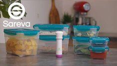 Hou je etenswaren langer goed met deze Sareva Vacuüm Vershoudbakjes 8-Delig! Deze set bestaat uit 7 handige vershoudbakjes met allemaal een verschillende inhoud. De bakjes zijn stapelbaar en magnetron- vriezer- en vaatwasserbestendig. Met het handige vacuümpompje die wordt meegeleverd, haal jij de lucht uit de bakjes en zorg je ervoor dat jij je etenswaren nog langer kan bewaren.