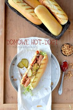 DOMOWE BUŁKI DO HOT-DOGÓW | z Chaty Na Końcu Wsi - blog kulinarny. Przepisy, fotografia kulinarna. Hod Dog, Dinner Rolls, Hot Dog Buns, Food Inspiration, Meal Prep, Grilling, Good Food, Food And Drink, Bread