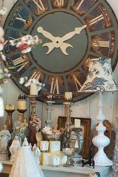 ...more like HUGE clock lovely...