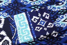 Stoff Batik von Michael Miller Pom Pon, Batik, Michael Miller, Quilts, Blanket, Blue, Quilt Sets, Quilt, Rug