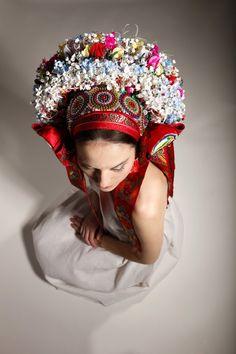 Ceremonial pentleni, a folk head piece or crown, worn in old Moravia (now the Czech Republic) Flower Head Wreaths, Folk Clothing, Principles Of Art, Folk Dance, Folk Fashion, Orthodox Icons, Folk Costume, Op Art, Traditional Dresses
