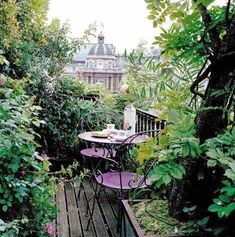 Love all that greenery!