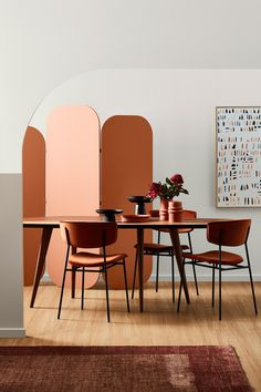 """Autumn is just around the corner and <a href=""""https://www.dulux.com.au/"""" target=""""_blank"""">Dulux</a> is here to help you with their vision of what's trending this season. From warm terracotta, to soft grey-greens and a softer blush, the Dulux Kinship Palette is designed to make your home a cosy haven for the season. <i>Styling by Bree Leech and Photography by Mike Baker</i>."""