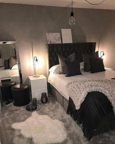 Schlafzimmer Interior Design Trends für 2018 bedroom interior design trends for 2018 Room Ideas Bedroom, Home Decor Bedroom, Fall Bedroom, Black Bedroom Decor, Design Bedroom, Bedroom Themes, Black Bed Room Ideas, Classy Bedroom Ideas, Red Black Bedrooms