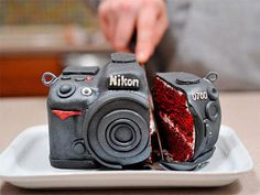 Ha! DH said he wanted to make a camera cake for my b-day (today!) - this would have been perfect!