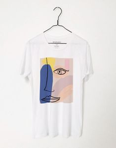 Line Drawing Face T-Shirt AY, This t-shirt is Made To Order, one by one printed so we can control the quality. Shirt Print Design, Shirt Designs, Graphic Studio, Painted Clothes, Abstract Faces, Fabric Painting, Line Drawing, Diy Clothes, Cool Shirts