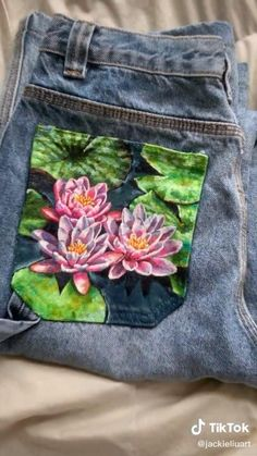 Painted Jeans, Painted Clothes, Fabric Painting, Diy Painting, Custom Clothes, Diy Clothes, Sewing Tutorials, Sewing Projects, Denim Art