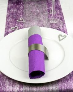 Tischdeko zur Hochzeit oder Silberhochzeit in lila und silber