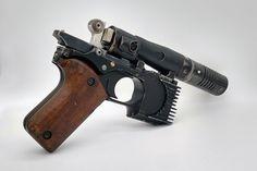 Nerf Longshot, Shooting Sports, Cool Gadgets To Buy, Ewok, Sci Fi Movies, Retro Futurism, Diy Home Crafts, Pistols, Mandalorian