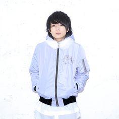 Rain Jacket, Bomber Jacket, Windbreaker, Youtube, Jackets, Fashion, Down Jackets, Moda, Fashion Styles