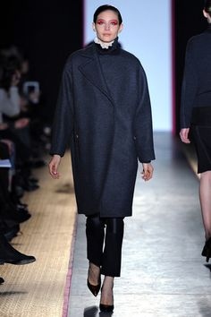 Cédric Charlier Fall 2013 Ready-to-Wear Collection Slideshow on Style.com