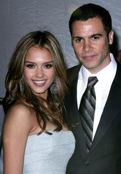 Jessica Alba and Cash Warren m.2008