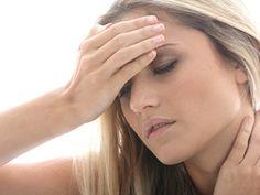 So beugen Sie Kopfschmerzen vor | eatsmarter.de Im Kopf hämmert und dröhnt es. Doch Schmerzmittel sind nicht immer die beste Lösung. Prof. Hartmut Göbel von der Schmerzklinik Kiel erklärt, wann ein Arztbesuch ratsam ist und wie Sie Kopfschmerzen verhindern können.