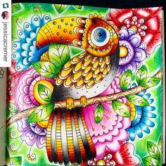 desenhoscolorir - Minha pinturinha de hoje!  @jessicacremer  ・・・ Tucano livro Floresta Mágica! Usei lápis de cor Maped, faber castell e giz pastel oleoso staetdler para o fundo. #florestamagica #florestamágica #florestamagicatop  #livroflorestamagica #ilovecolouring #felicityfrench #desenhoscolorir #jardimsecreto #secretgarden