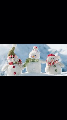 Choose bellow for your favorite Snowman wallpaper. Snowman is being made during Christmas time, and is very popular among kids. Having Snowman on your computer desktops will surely make Christmas decoration complete. Build A Snowman, Cute Snowman, Christmas Snowman, Winter Christmas, Christmas Holidays, Christmas Crafts, Merry Christmas, Christmas Decorations, Christmas Ornaments
