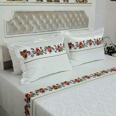 Chrochet, Bed Covers, Bed Design, Bed Sheets, Bedding Sets, Embroidery Designs, Bed Pillows, Pillow Cases, Diy And Crafts