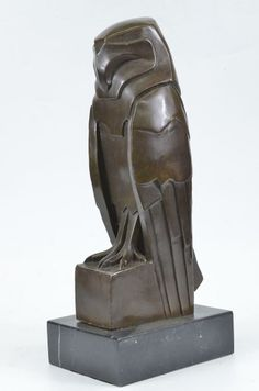 fake  Art deco  BRONZE OWL STATUE. Probably made in China