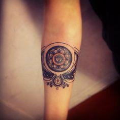 Forearm women's tattoo - bracelet tattoo - woman tattoo