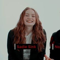 why am i barely noticing how cute she is in this picture Stranger Things Funny, Eleven Stranger Things, Love Of My Live, Tv Show Casting, Stranger Danger, Joker Dc, Sadie Sink, Millie Bobby Brown, Pretty People