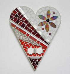 Newly featured a round mosaic tray on beautiful acacia wood. Each glass piece in hand cut and handshaped. Sea Glass Mosaic, Mosaic Wall, Mosaic Tiles, Pebble Mosaic, Mosaic Mirrors, Stone Mosaic, Tile Art, Fused Glass, Stained Glass Quilt